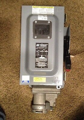 CROUSE HINDS WSRDW6352 SAFETY DISCONNECT SWITCH W/RECEPTACLE 60 Amp 600 VAC