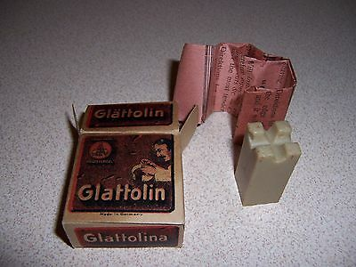 1910 Antique Glattolin Box & Contents - Prevents Collar Chafing