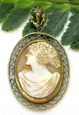 Lovely Antique 10K Gold Cameo Pendant
