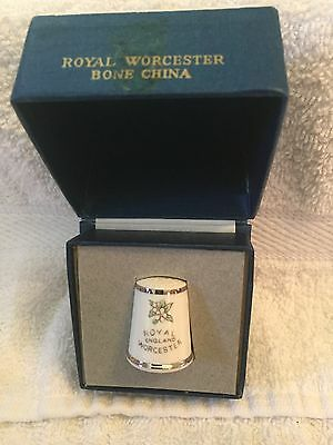 Royal Worcester - Bone China thimble in box - Made in England