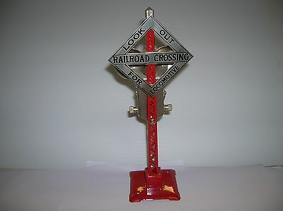 """MTH Crossing signal / Bell new 9 """" high ,but no box lot # 8536."""