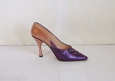 Just The Right Shoe by Raine 2002 Patricia In Plum #25191 Willitts NIB COA (SH1)