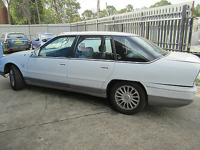 Holden Commodore Vs V8 Statesman White Currently Wrecking 1Wheel Nut