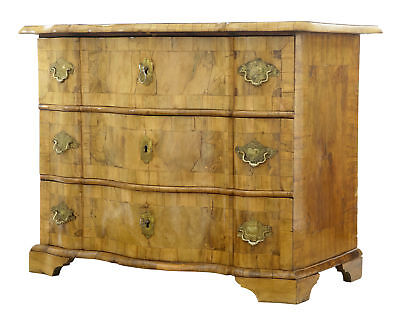 Fine Quality 18Th Century Swedish Walnut Chest Of Drawers Commode