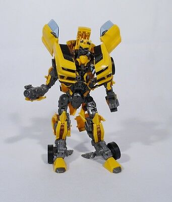 Transformers / Bumblebee / Dark Of The Moon / Leader Class / Dotm / Hasbro 2011