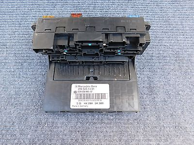 2013 Vw Golf Fuse Box besides W209 Relay Fuse Box likewise Watch likewise 2007 E350 Fuse Box Diagram further 2009 Mercedes E550 Fuse Box. on 2007 mercedes benz e350 fuse box