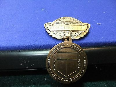 vtg badge woman pioneer club brass  maker bb 1930 medal