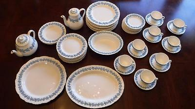 49 Pcs Wedgwood Lavendar Grapes on Cream Etruria & Barlastan Embossed Queensware