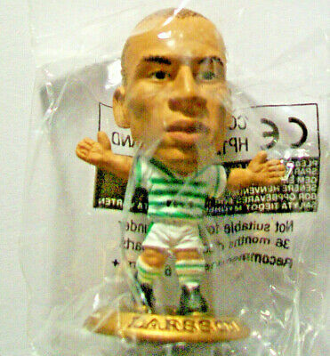 Microstars CELTIC (HOME) LARSSON, GOLD BASE MC902