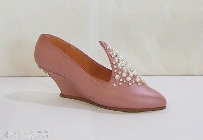 Just The Right Shoe by Raine Victorious/POG #25056 Breast Cancer Awareness (SH1)
