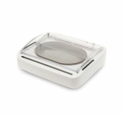 SureFeed Sealed Pet Bowl Motion-activated Lid on Pet Approach