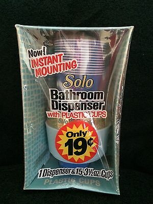Vintage Solo Bathroom Dispenser Unopened 15 Plastic Cups Blue