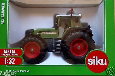 SIKU Fendt 930 Vario Tractor 1:325 Scale DIECAST NEW #3254