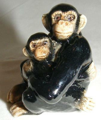 Northern Rose Miniature Porcelain Animal Figure Monkey Chimp with Baby R098