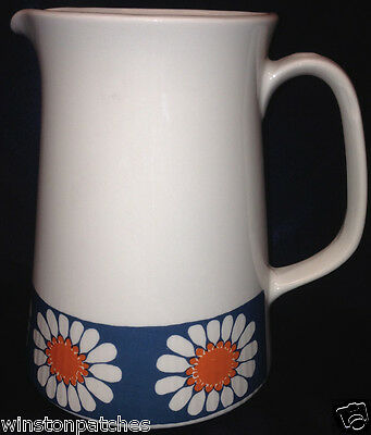Figgjo Norway Daisy Pitcher 36 Oz White With Daisies On A Blue Band