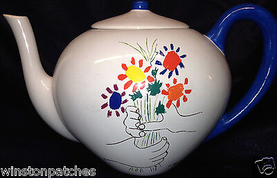 Masterpiece Editions Picasso Crayon Collection Hands & Flowers 1958 Teapot & Lid