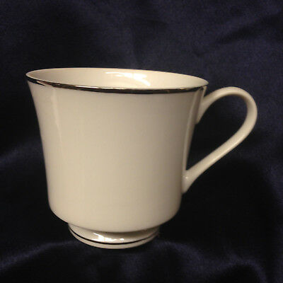 Sun Chow Sterling Affair White Footed Cup Platinum Trim