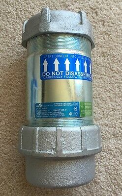 """Cooper Crouse-Hinds XJG84 Conduit Size 3"""" Max Expansion 4"""" Internal Ground"""