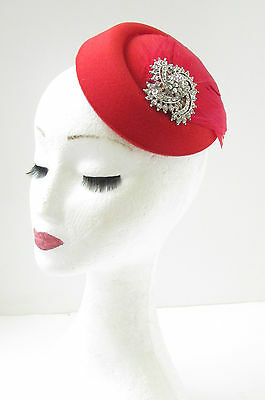 Red & Silver Feather Pearl Pillbox Hat Fascinator Headpiece 1940s Races Vtg 6AA