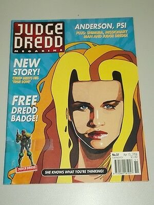 2000Ad Megazine #51 Vol 2 Judge Dredd With Free Gift*