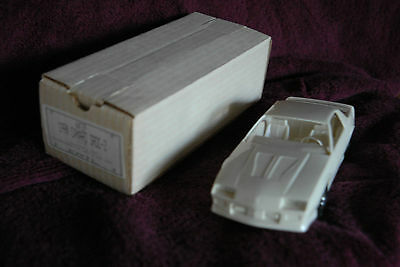 1990 Camaro Iroc-Z, Collector's Item #6039, Plastic, Scale 1/25, Made in USA,