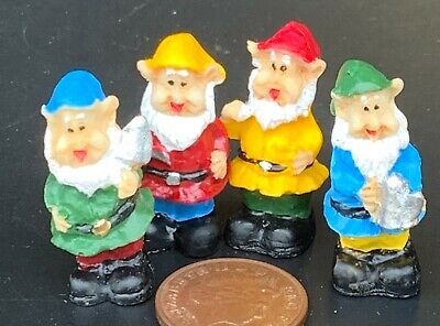 1:12th Set Of 4 Assorted Gnomes Dolls House Miniature Garden Fairy Accessory SA