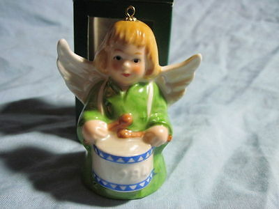1984 Goebel ANGEL BELL ORNAMENT Green With Drum in Box FREE SHIPPING