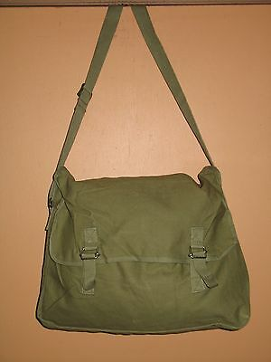 Shoulder Bag SQUIRREL OR BIRD HUNTING - Olive Drab - UNISSUED / NEW CONDITION