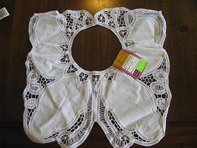 "Vintage Handmade Batten Lace Collar 5"" Opening, 14"" Collar Width"