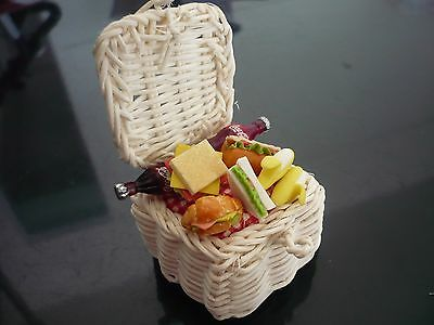 Food Picnic Wicker Baskets Dollhouse Miniatures Supply Deco-4