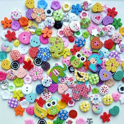100 x 9mm - 15mm MIX COLOURS WOODEN RESIN BUTTON SCRAPBOOKING CRAFT CARD MAKING
