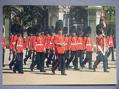 R&L Postcard: Changing the Guard, Welsh Guards, Buckingham Palace, London