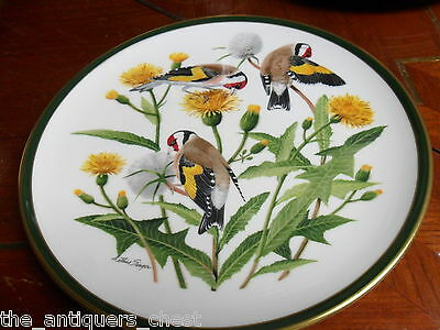 """""""SONGBIRDS OF THE WORLD"""" FRANKLIN PORCELAIN Wedgwood plate """"EUROPEAN GOLDFINCH"""""""