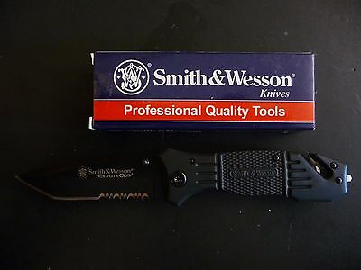 Smith & Wesson SWFR2S First Response Pocket Knife -NEW- In Box
