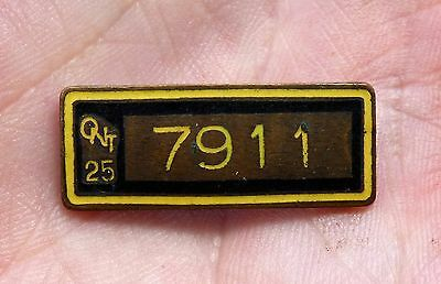 Old 1925 Ontario, Canada licensed driver CHAUFFEUR BADGE pin #7911 FREE SHIP!