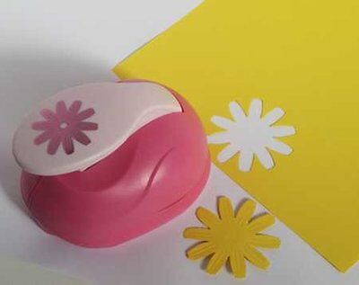 XL - Embossing Punch - Blume 3 - 6 cm groß