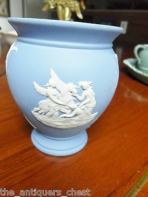 "Wedgwood Germany blue Jasperware vase, Greek cameo decor,  4"" tall[a*4wtebx]"