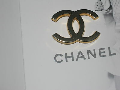CHANEL GOLD CC LOGO BUTTON CHARM 29 MM CAME OFF A HANGER  METAL 1 1/4 inch x1''
