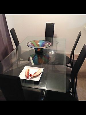 Contemporary glass table