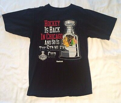 Mens Chicago Blackhawks NHL T Shirt Stanley Cup 2010 Reebok SIze Small S Black