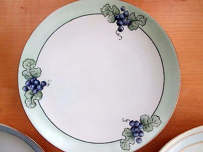 """3 Handpainted 6 3/8"""" Plates in the Japanese Style Grapes and Flowers Gold Gilt"""