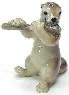 Northern Rose MIniature Porcelain Animal Musician Otter with Flute MB014