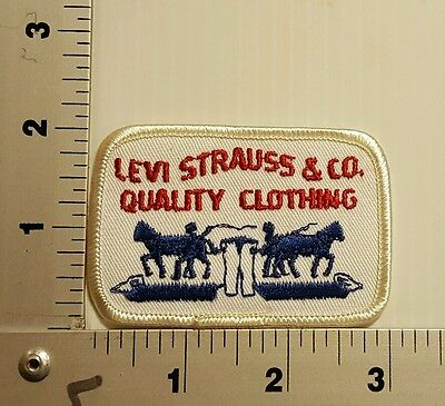 LEVI STRAUSS & CO QUALITY CLOTHING  VINTAGE EMBROIDERED PATCH (white/blue)