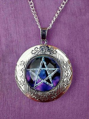 PENTACLE PENTAGRAM HINGED LOCKET GLASS CABOCHON PENDANT NECKLACE Wiccan Pagan