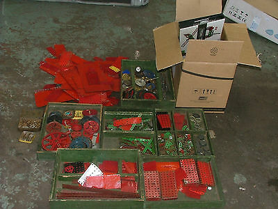 Vintage Meccano red green gears cogs axles wheels etc 22kg