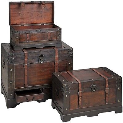 Set of flat topped antique-effect trunks with straps Hill Interior 14281