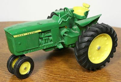 Vintage ERTL John Deere Toy Tractor. 1/16 Scale Diecast. Good Condition