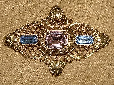 Beautiful Vintage 1970's Gold Tone Filigree Foiled Rhinestone Pin!