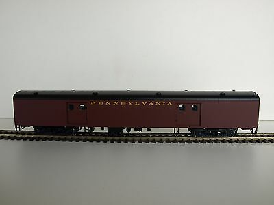 Walthers RTR HO Pullman-Standard 72' Baggage car. PRR