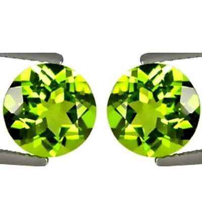 NATURAL PRETTY GREEN PERIDOT LOOSE GEMSTONES (PAIR)  ROUND SHAPE (5 x 5 mm)